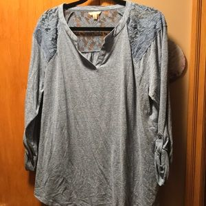 Women's 3/4 sleeve top with lace. Size 1X